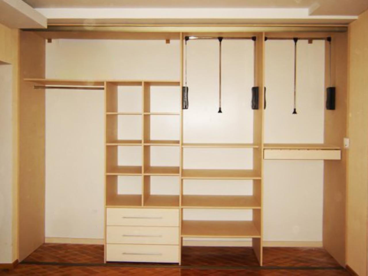Шкаф купе на всю стену с полками внутри своими руками из дерева 28